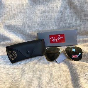 NWT RayBan Aviator sunglasses